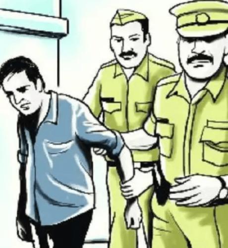 Police nabs a thief boarding Khajuraho Express