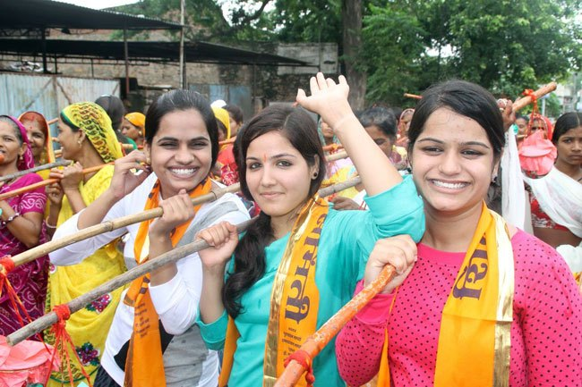 Over thousand devotees take part in Kavad Yatra