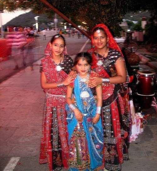 Shakti Sunday tribal folk fest overcomes rain & blackout to hold crowd