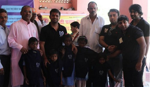 10,000 kids get new sweaters, Suhani Sardi campaign ends