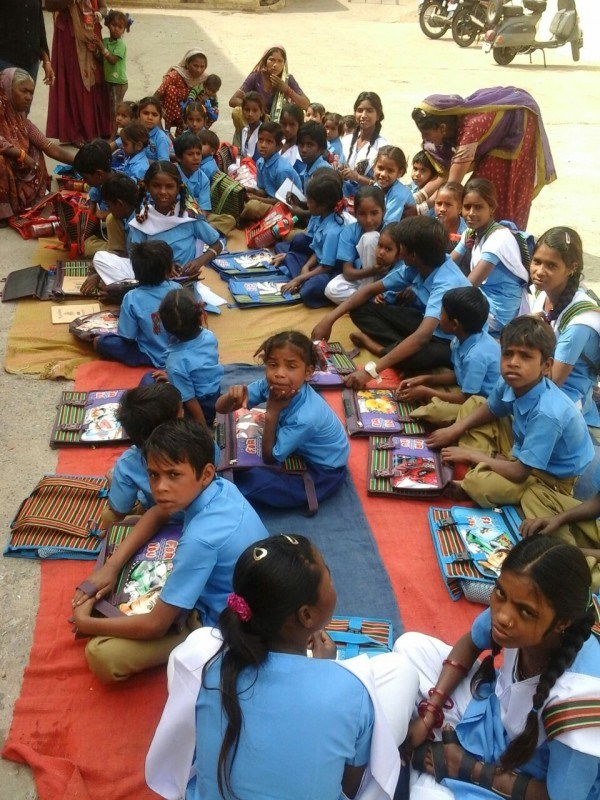 How 40 Kids from Slums were sent to School in One Day
