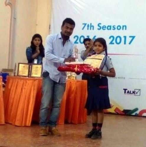 सी.पी.एस. की हर्षिता शर्मा राइटिंग ओलंपियाड में प्रथम रनर अप
